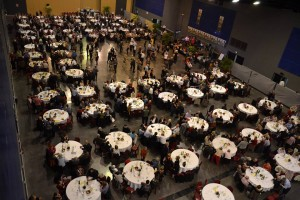 C2K-Pressing s'associe cette année à la ligue contre le cancer en offrant la prise en charge du nettoyage des nappes de leur repas annuel. Félicitations à l'antenne de Fontenay le Comte qui organise chaque année ce repas (plus de 800 convives).