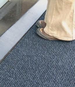 Prestation de nettoyage sur Tapis d'entrée anti-salissures
